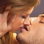 Los signos del zodiaco como besan